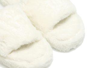 Παντόφλες λευκές γούνινες με φάσα ΛΕΥΚΟ