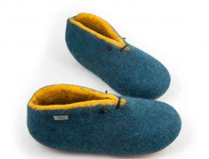 Slipper boots petrol blue with yellow