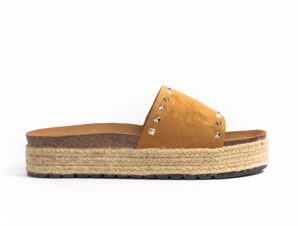 Γυναικείες camel παντόφλες Sweet Shoes